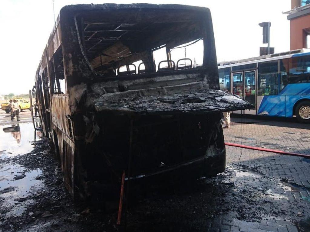 Penyebab Bus Terbakar di Bandara Ngurah Rai Masih Diinvestigasi