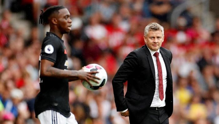 Steve Walsh menilai Manchester United mengambil keputusan yang kurang bijak dengan mendatangkan Aaron Wan-Bissaka (Foto: Action Images via Reuters/John Sibley)