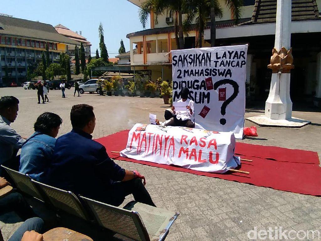 2 Mahasiswa Unitomo Dituduh Mesum Wakil Rektor, Keduanya Akan Dipertemukan