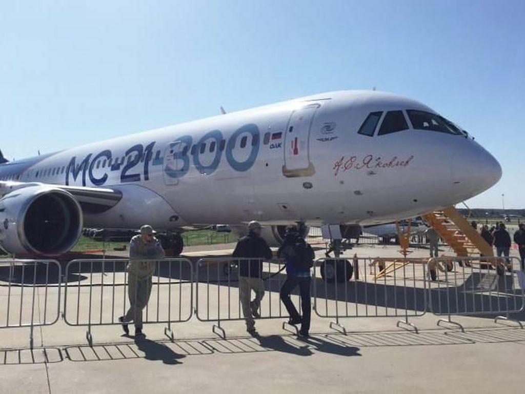 Rusia Luncurkan Pesawat Baru Saingan Boeing dan Airbus