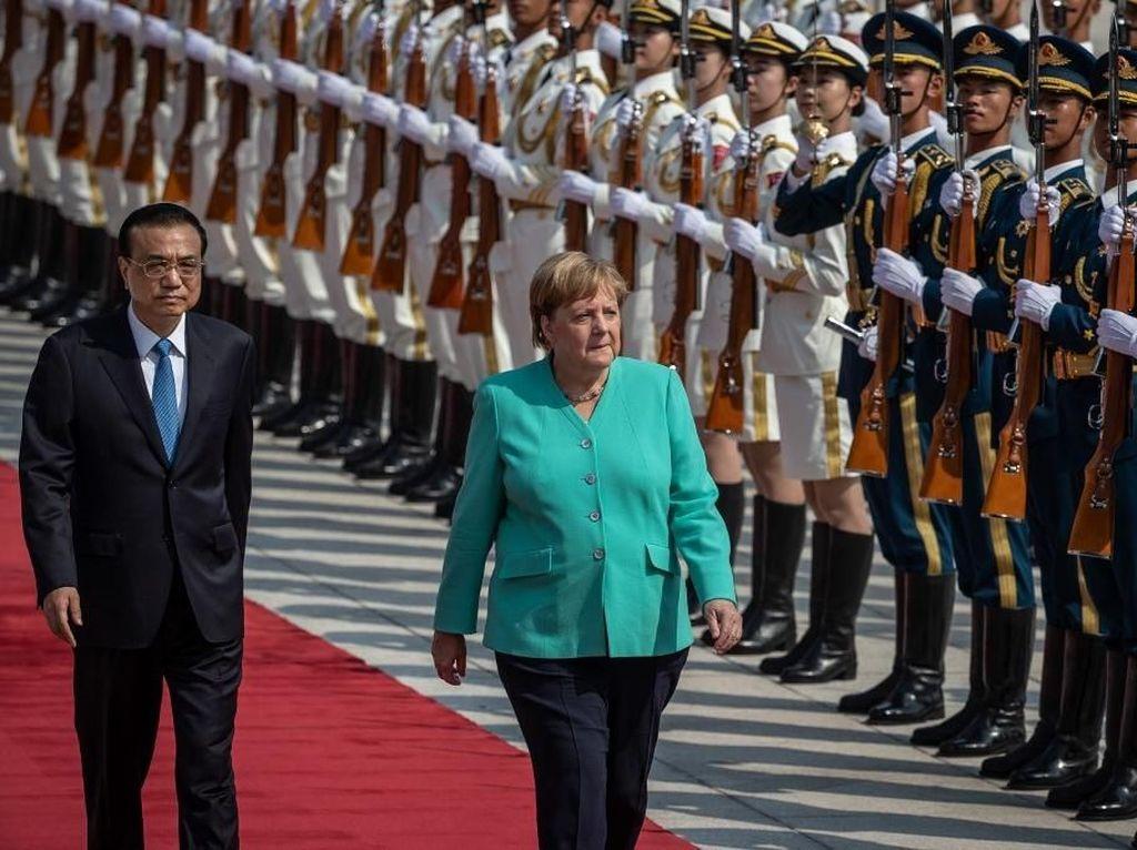 Kunjungi Beijing, Angela Merkel Minta Kebebasan Warga Hong Kong Dijamin