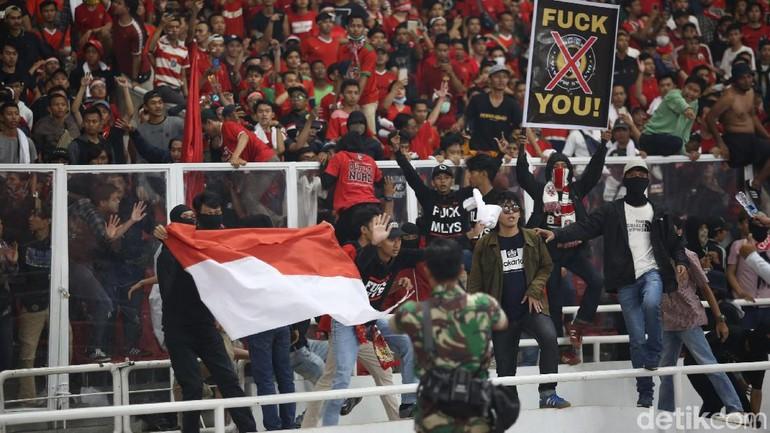 Mental Suporter Indonesia yang Barbar dan Terus Saja Barbar