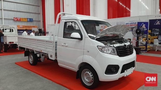 Mobil Esemka karya pabrik Boyolali, Jawa Tengah.