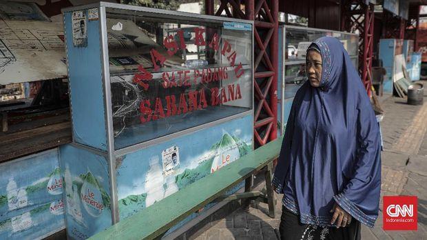 Keluh Kesah Pedagang soal Pelebaran Trotoar Jakarta