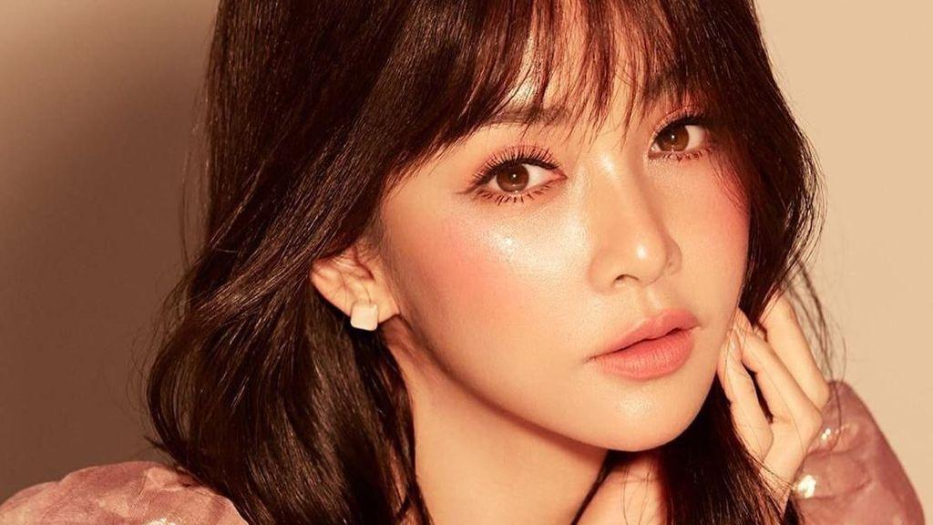 Foto: Aktris Cantik Thailand Kejutkan Penggemar, Pompa ASI Keluar Darah