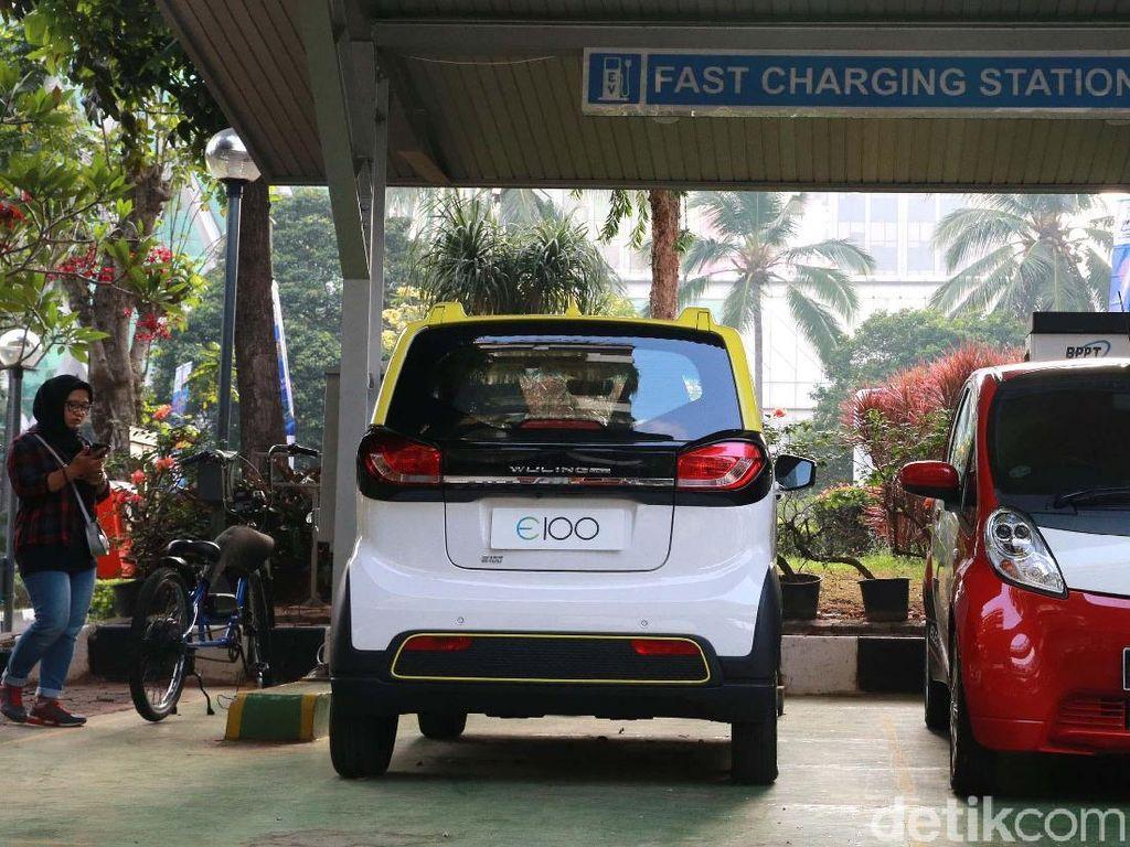 Jakarta Dipenuhi Konvoi Mobil dan Motor Tanpa Polusi
