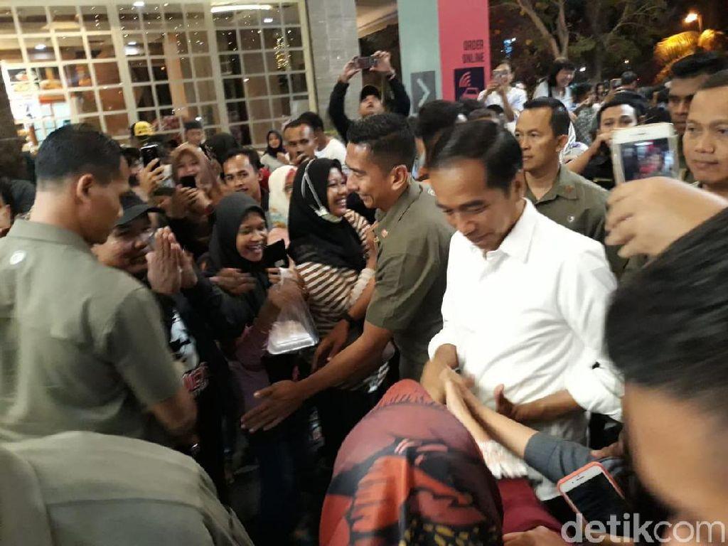 Lengkap Sekeluarga, Jokowi Malam Mingguan di Mal Solo Paragon