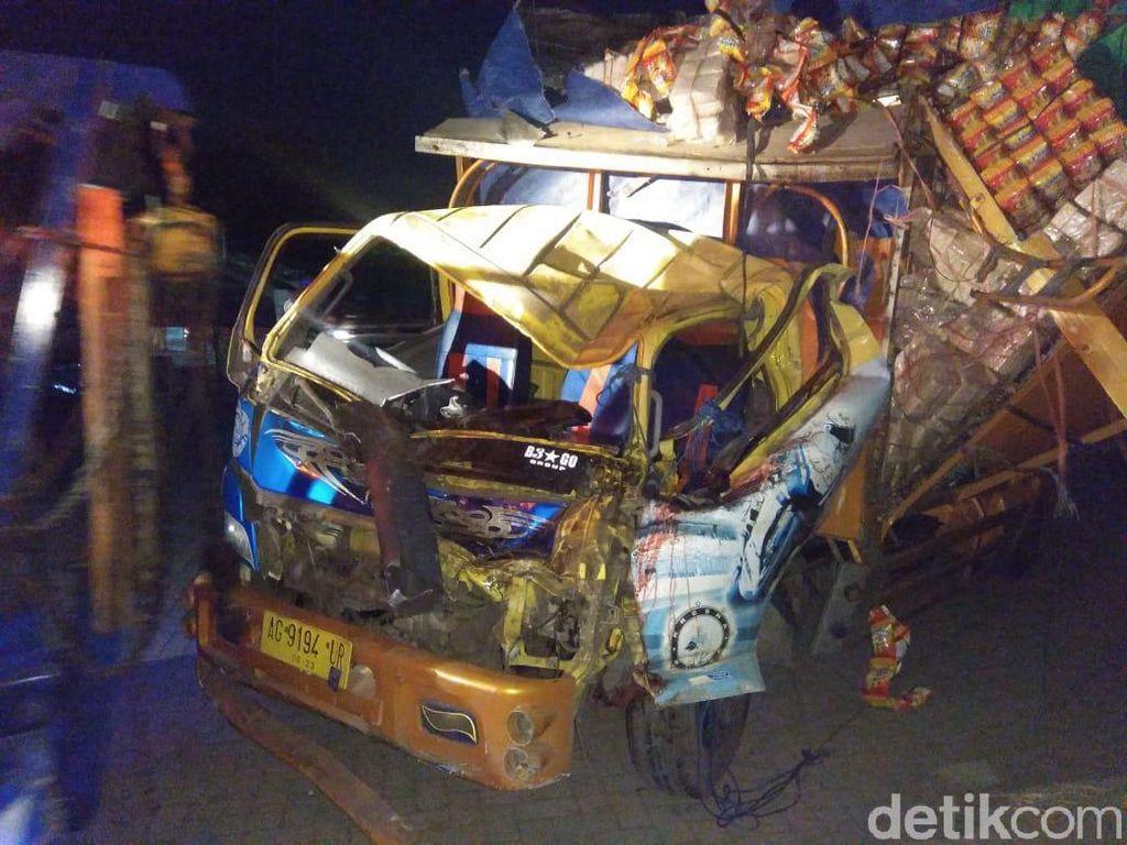 Truk Tabrak Bus di Sidoarjo, Satu Orang Tewas