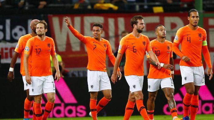 Belanda menang karena main sabar saat posisi tertinggal (Wolfgang Rattay/Reuters)