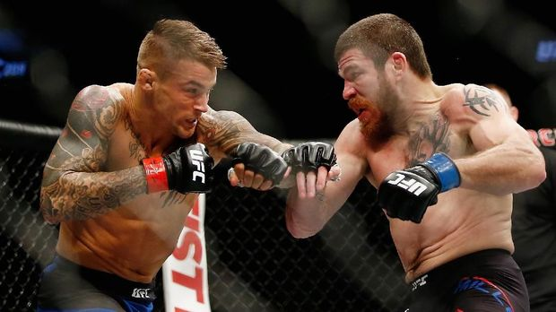 NEW YORK, NY - FEBRUARY 11: Dustin Poirier (L) of United States fights against Jim Miller (R) of United States in the first round of their lightweight bout during UFC 208 at the Barclays Center on February 11, 2017 in the Brooklyn Borough of New York City.   Anthony Geathers/Getty Images/AFP