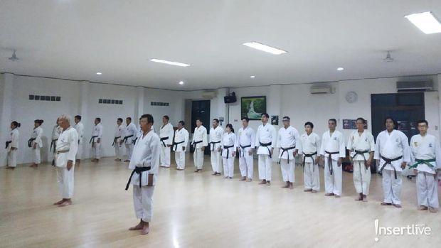 Javier Justin tekuni olahraga karate
