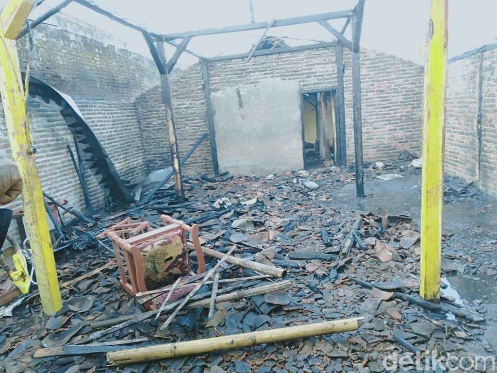 Seorang Nenek Tewas Saat Rumahnya Terbakar, Kakek Luka Bakar 70%
