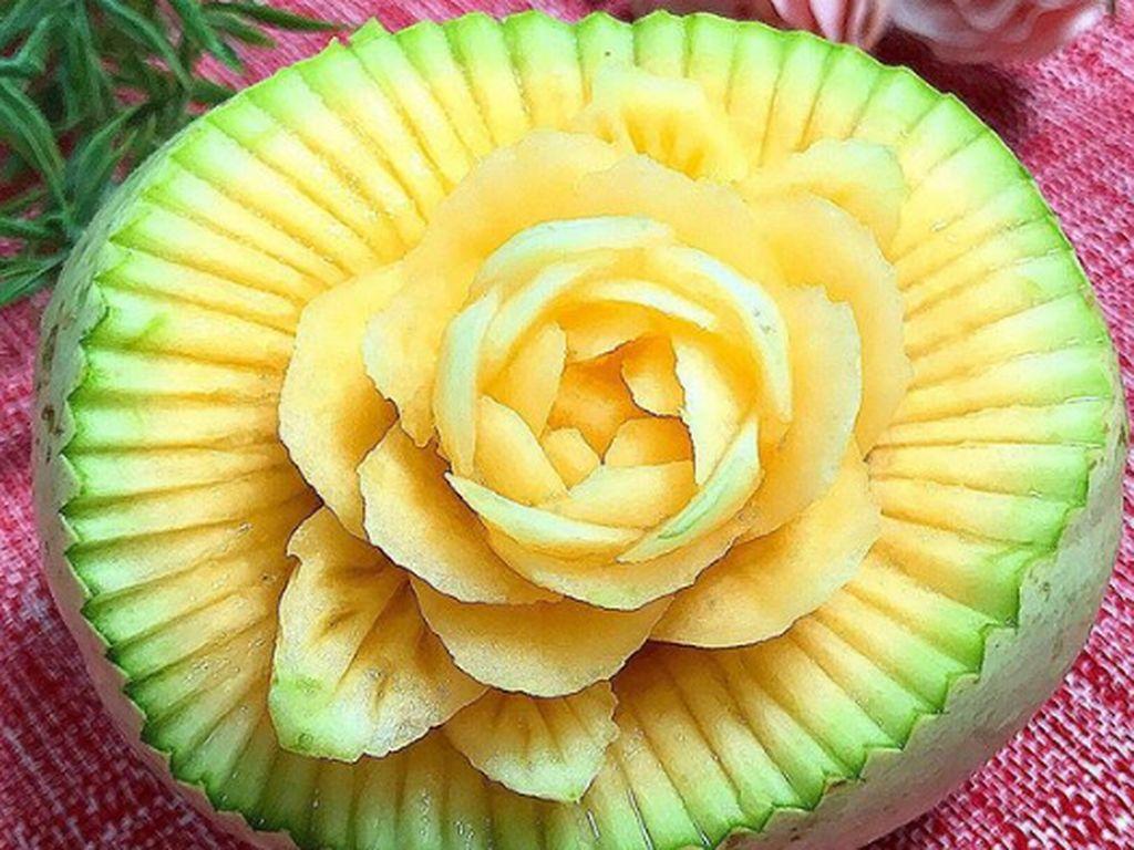 Artisitik! Teknik Ukir Membuat Buah dan Sayuran Segar Tampil Cantik