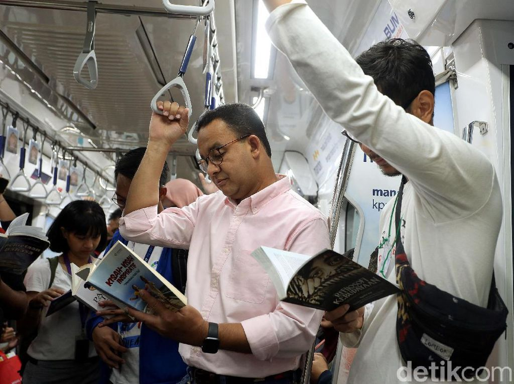 Anies Jamin Pemotongan Subsidi Transportasi Tak Akan Pengaruhi Tarif