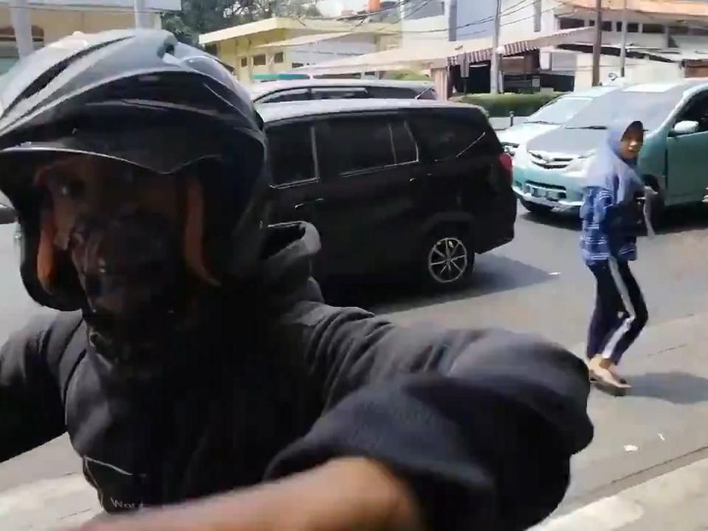 Diserang Pemotor di Trotoar, Pejalan Kaki Heran Pelaku Lebih Galak