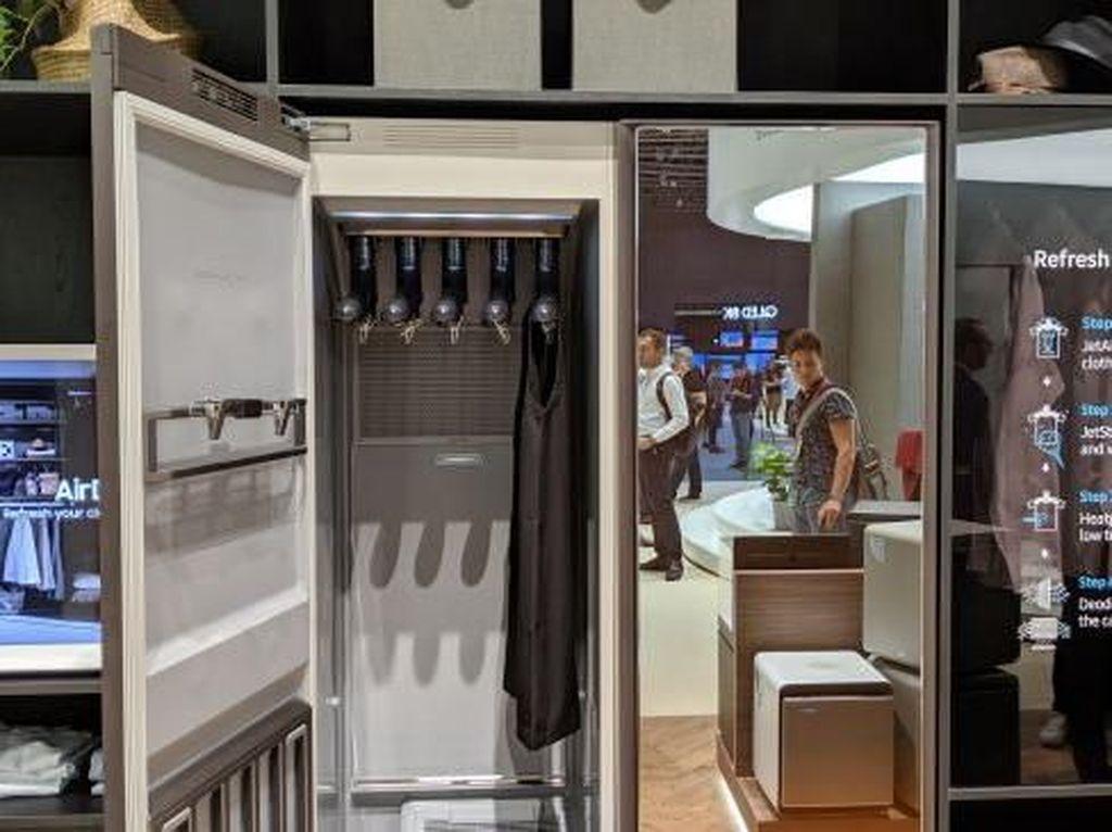 Lemari Canggih Samsung Bisa Cuci dan Setrika Baju