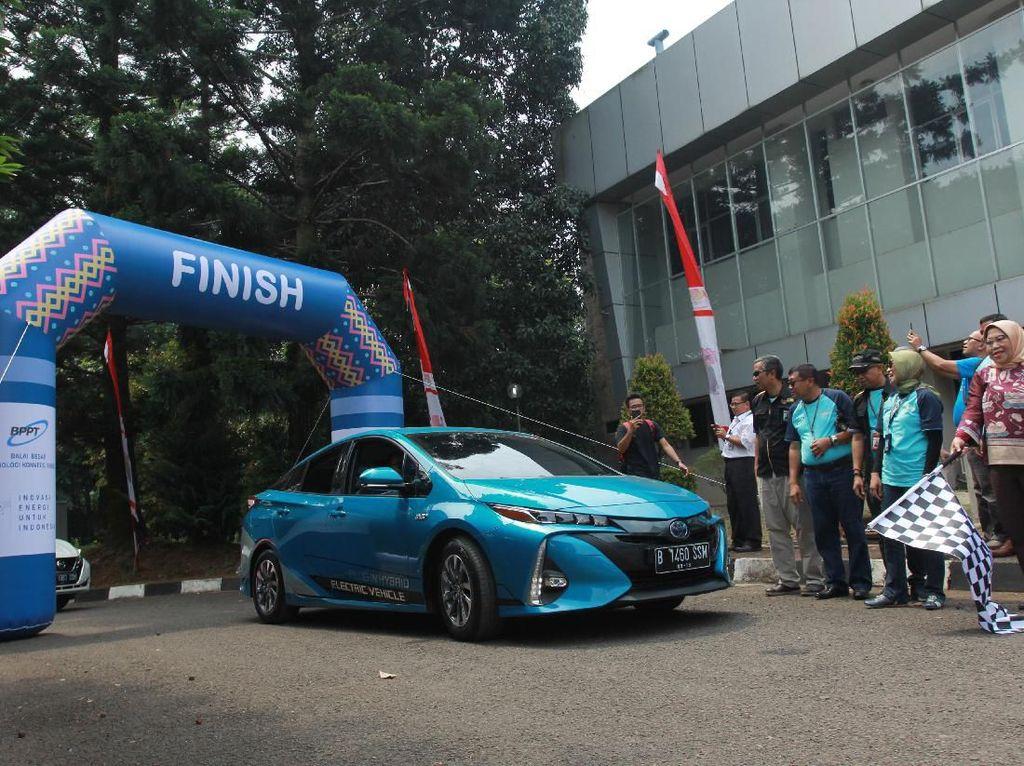 Toyota Berharap Prius PHEV Akan Lahir Tahun Ini di RI
