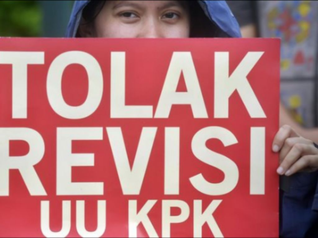 Jokowi Dianggap Khianati Janji Politik Terkait Revisi UU KPK