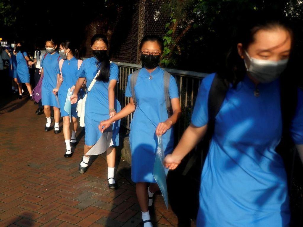 Dukung Demonstran, Ratusan Siswa di Hong Hong Bentuk Rantai Manusia