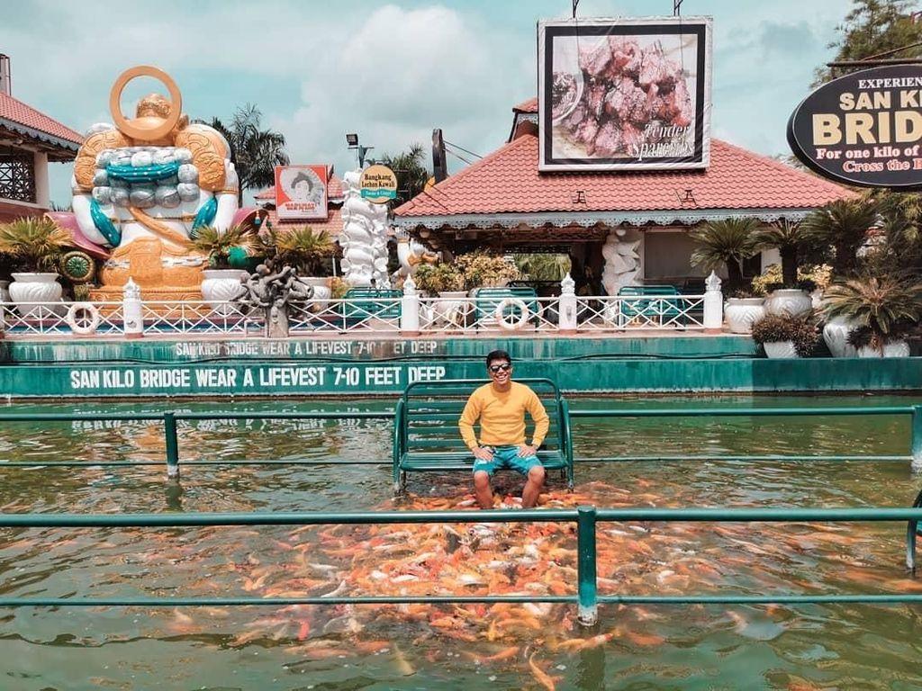 Bisa Jalan Bareng Ikan, Restoran Seafood di Filipina Ini Jadi Terkenal