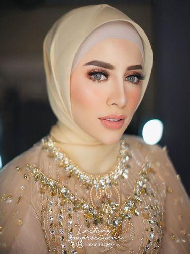 Foto: Penampilan Cantik Selebgram Aghnia Punjabi Saat Dikhitbah