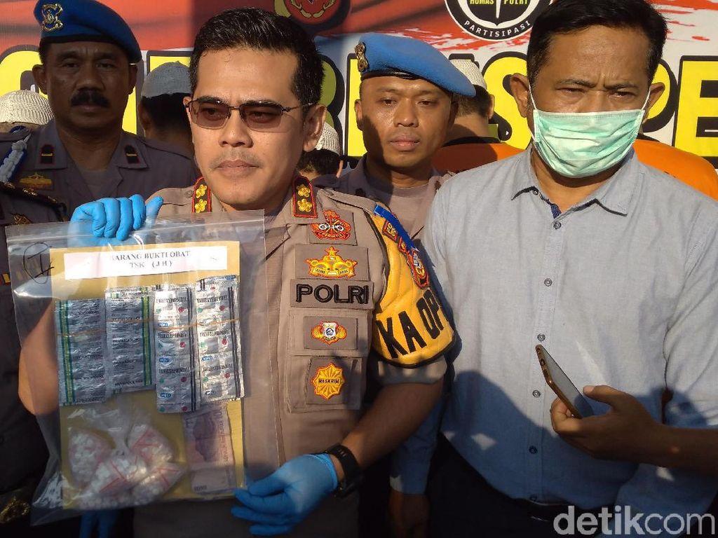 Pemalak yang Bunuh Santri di Cirebon Makan 20 Obat Keras Sebelum Aksi