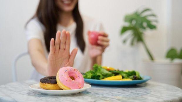 Ilustrasi orang menerapkan diet karbo
