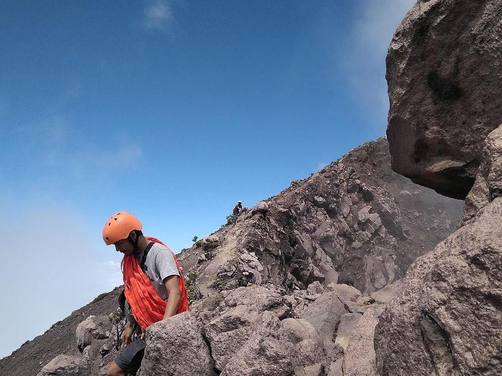 Foto: Perjalanan Menaklukkan Puncak Gunung Raung