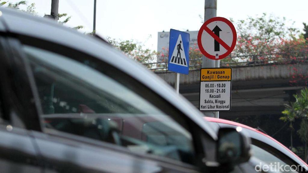 Tak Kebal Ganjil Genap, Taksi Online Masih Punya Celah