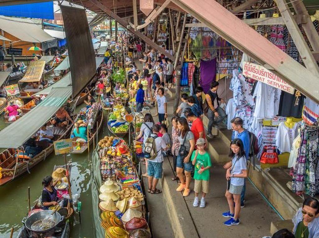 7 Floating Market yang Wajib Kamu Kunjungi di Thailand