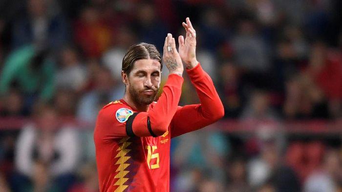 Sergio Ramos menjadi pemain dengan penampilan terbanyak di timnas Spanyol (Foto: REUTERS/Eloy Alonso)