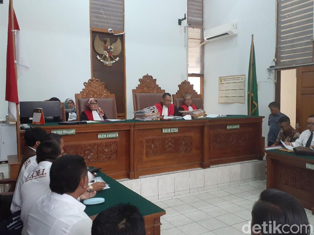 Sidang Gugatan Forum Advokat Terkait Listrik Padam Massal Ditunda