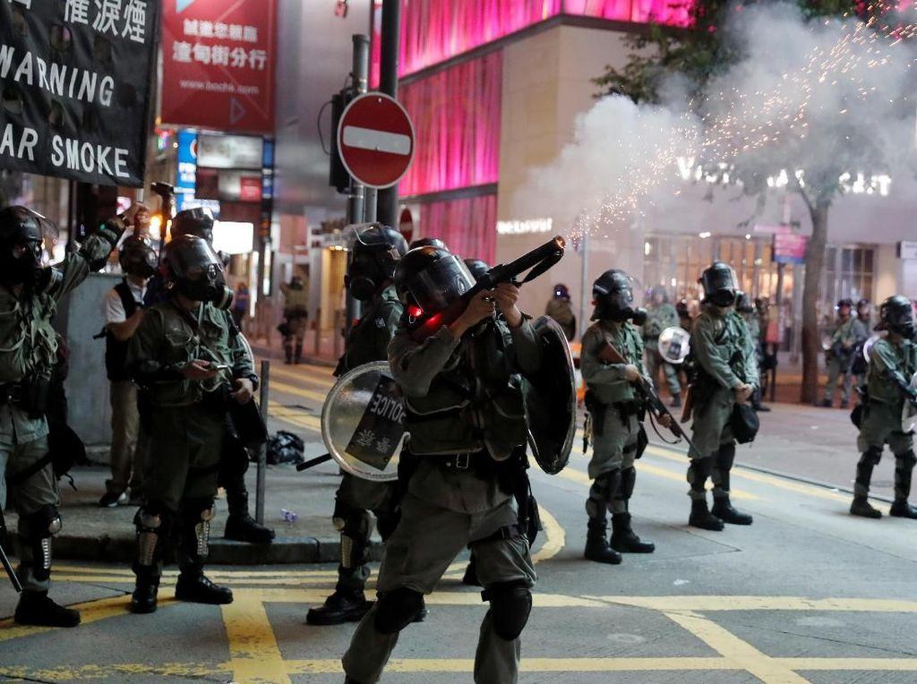 Sederet Pelanggaran Polisi Hong Kong Tangani Pendemo