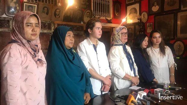 Dul Jaelani dan para korban tabrakan yang disantun Ahmad Dhani