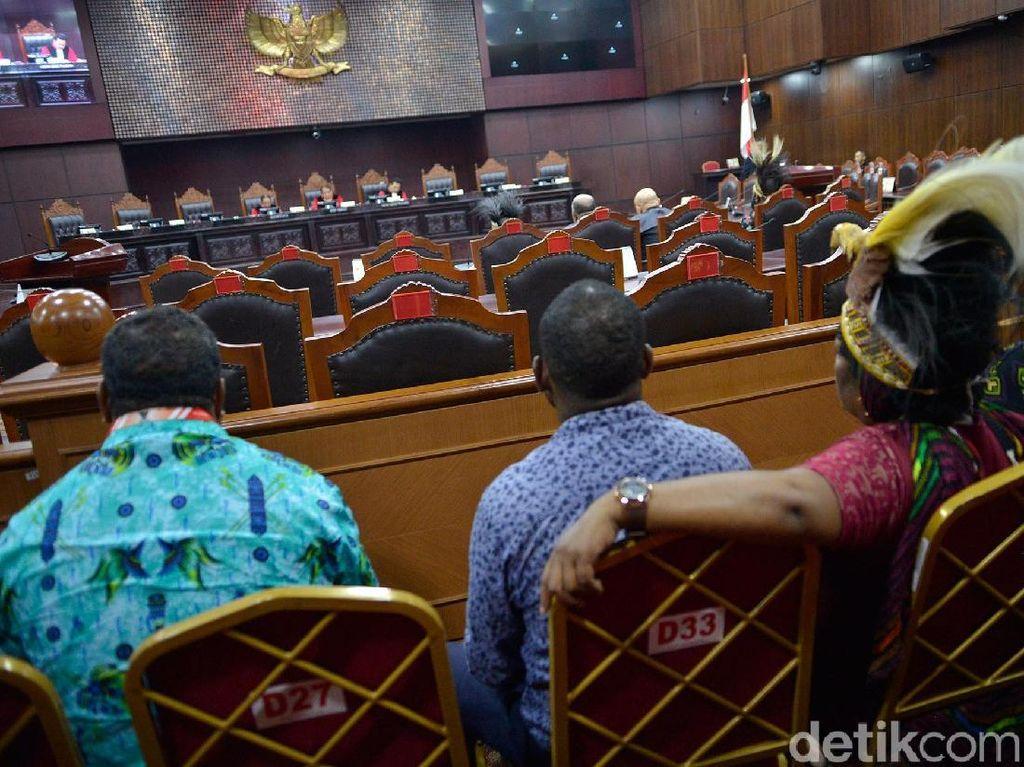 MK Gelar Sidang Terkait Otonomi Khusus Papua