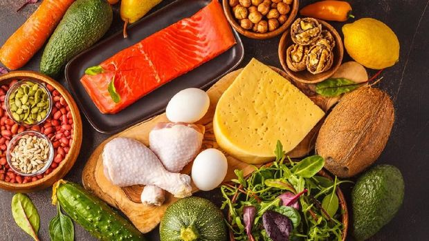 Ilustrasi makanan tinggi protein, sayur, dan buah
