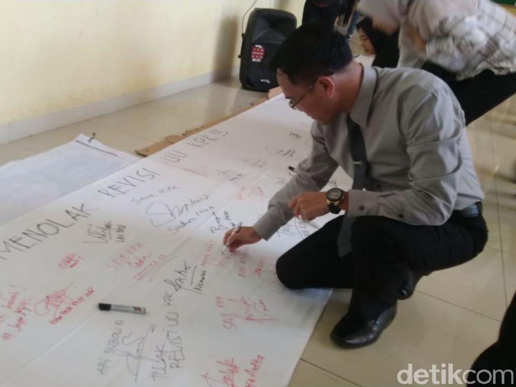Puluhan Dosen Undip akan Kirim Petisi Tolak Revisi RUU KPK ke Jokowi