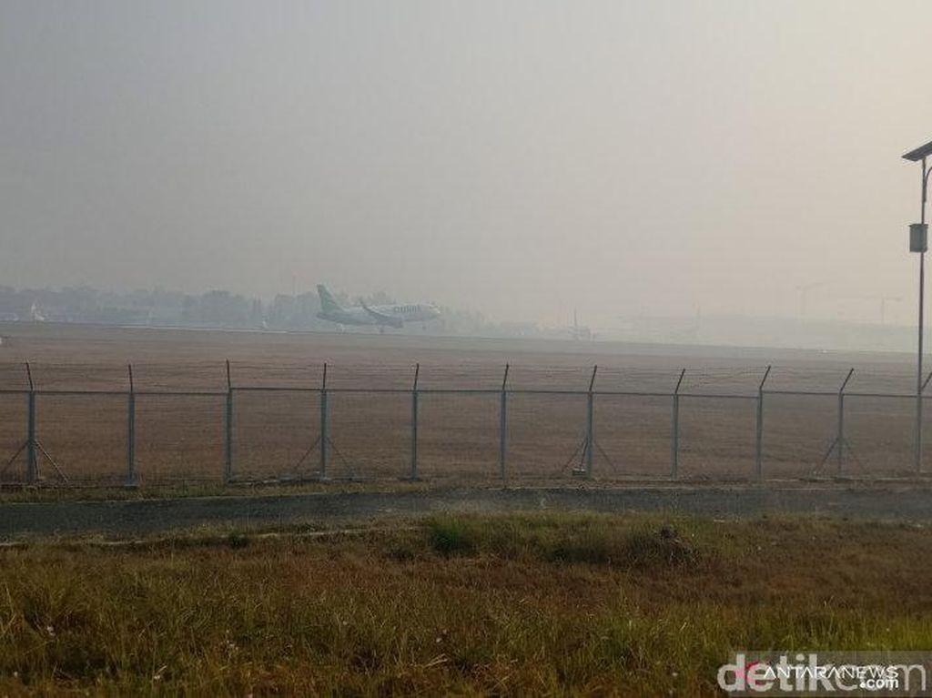 Kabut Asap Bikin Penerbangan di Banjarmasin Terganggu