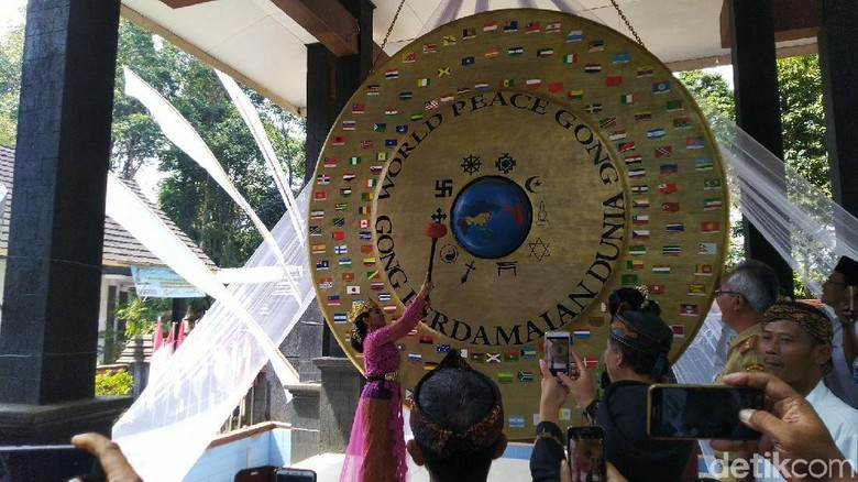Gong Perdamaian Dunia di Ciamis (Dadang Hermansyah/detikcom)