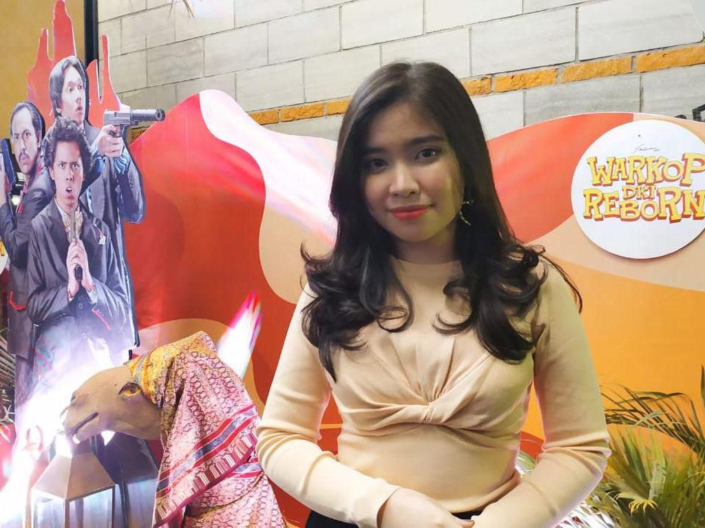 Warkop DKI Reborn Parodikan Pengabdi Besan, Latisha Diva Nyanyi Di Keheningan Malam