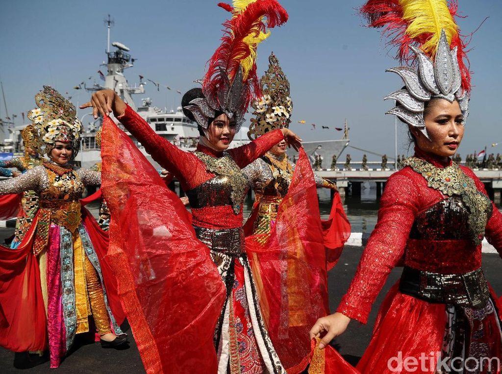 Beragam Atraksi Menarik Ramaikan HUT TNI AL ke-74