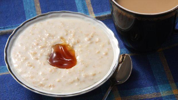Oatmeal porridge and coffee