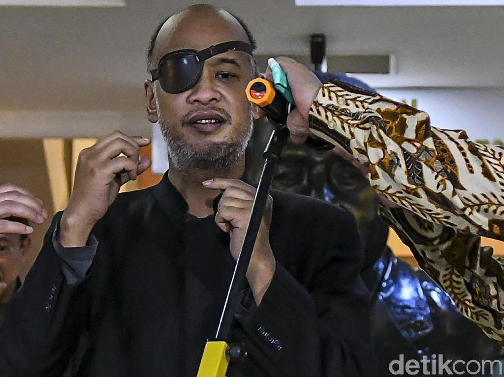 5 Tokoh Pengidap Glaukoma Selain Thareq Habibie: Bono U2 hingga Edgar Davids