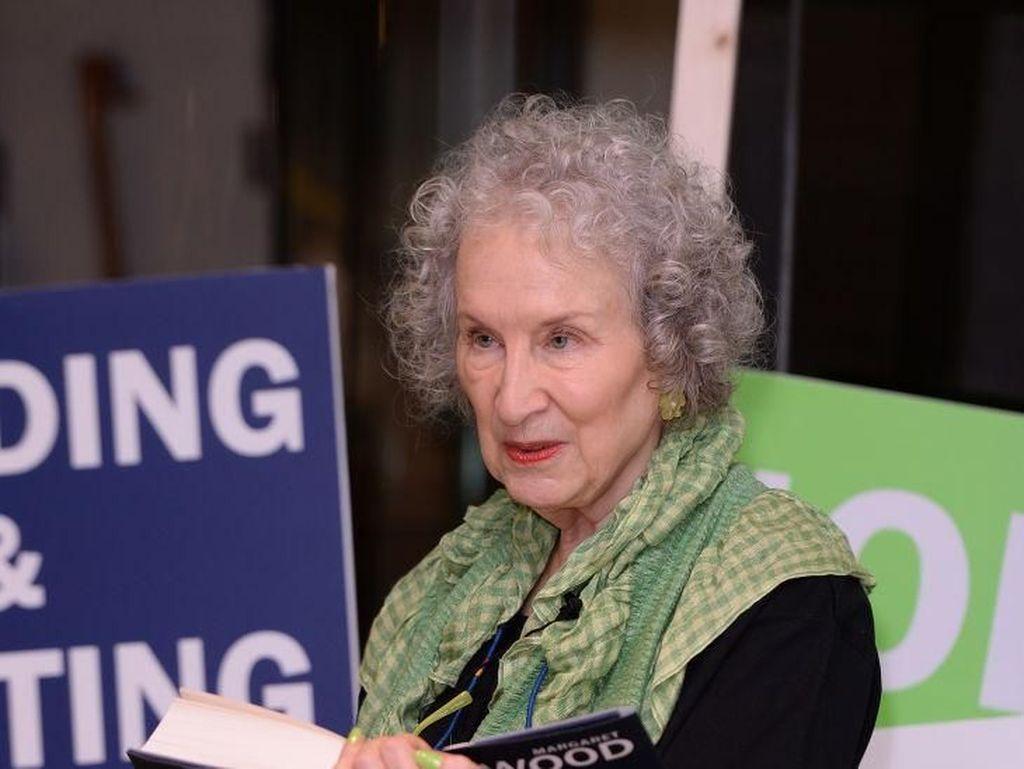 Margaret Atwood Bakal Rilis Buku Koleksi Puisi