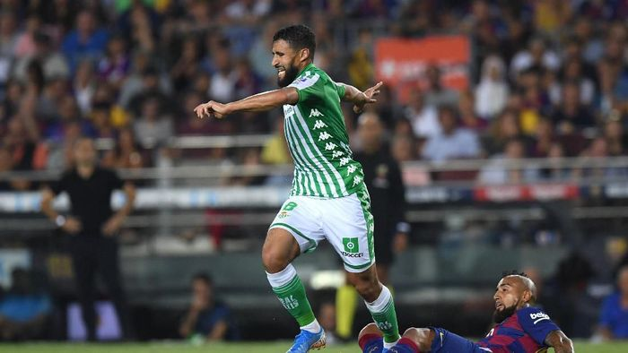 Nabil Fekir gagal gabung Liverpool karena cedera lututnya kambuhan (Alex Caparros/Getty Images)