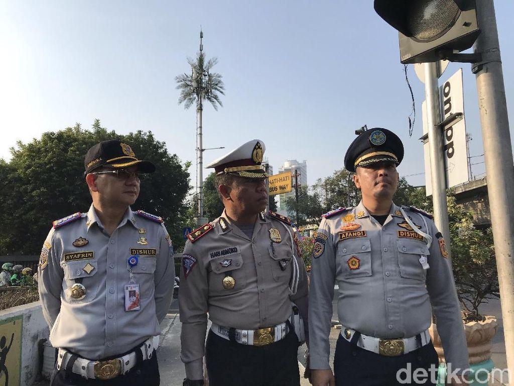 154 Pelanggar Ditilang di Jakbar, Alasannya Tidak Tahu Ganjil Genap