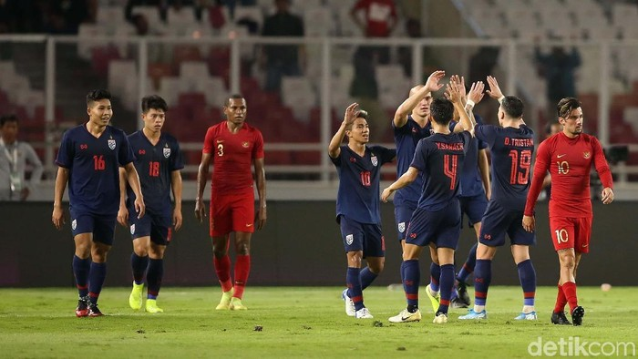 Indonesia kembali menelan kekalahan pada Kualifikasi Piala Dunia 2022. Setelah kalah dari Malaysia, Indonesia kini dipermalukan Thailand tiga gol tanpa balas.