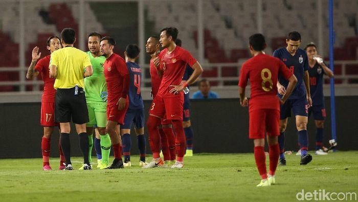 Timnas Indonesia kalah 0-3 dar Thailand di laga kedua Grup G Kualifikasi Piala Dunia 2022 Zona Asia di SUGBK, Selasa (10/9/2019). (Foto: Agung Pambudhy/detikSport)