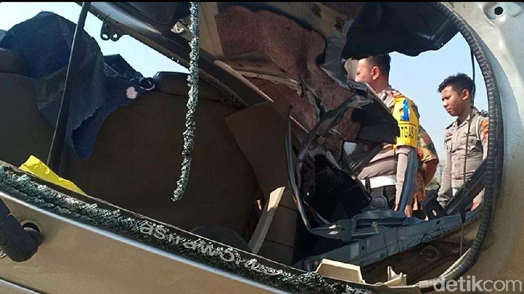 Penampakan MPV Yang Ringsek Tewaskan 3 Orang di Nganjuk