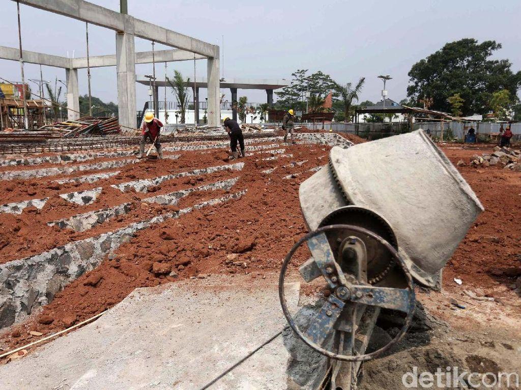 Melihat Progres Pembangunan Alun-alun Kota Depok